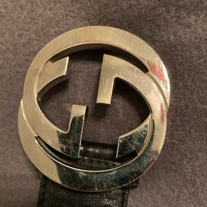 Mens black gucci belt used authentic